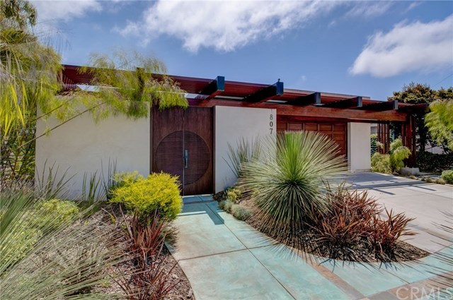 Active Under Contract | 807 N Paulina  Avenue Redondo Beach, CA 90277 2