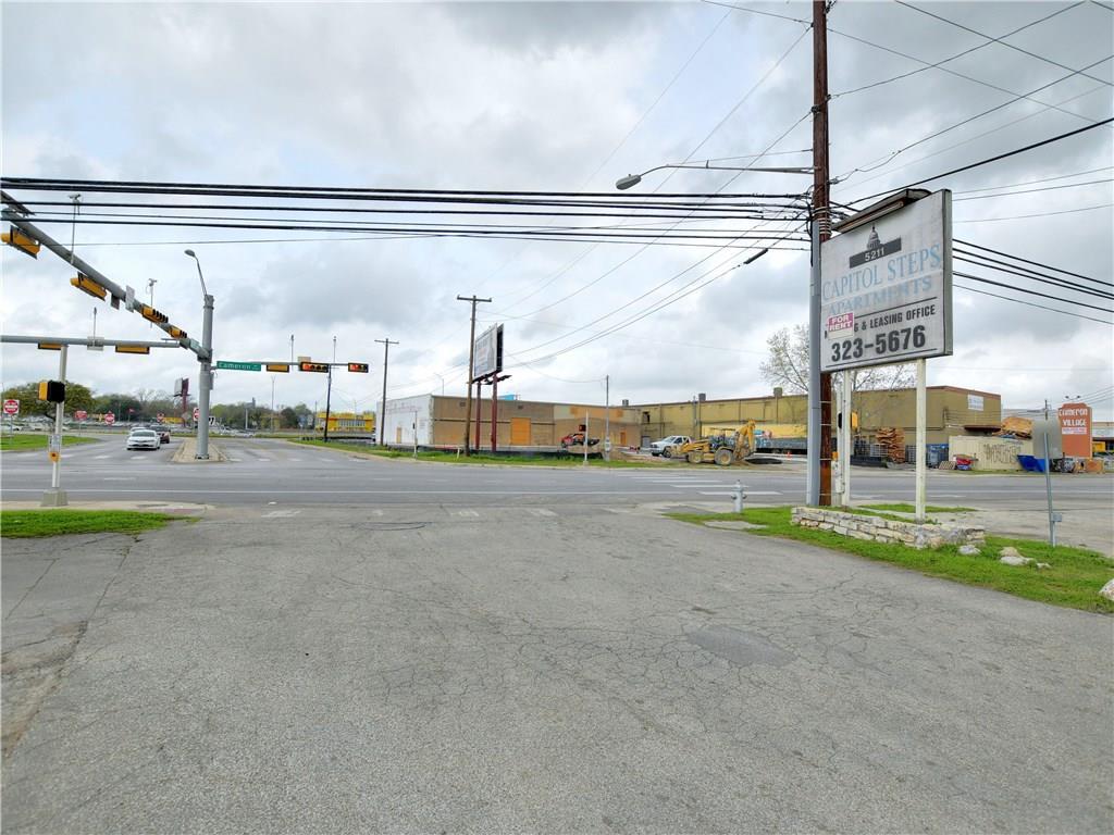 Active | 5209 Cameron  Road Austin, TX 78723 22