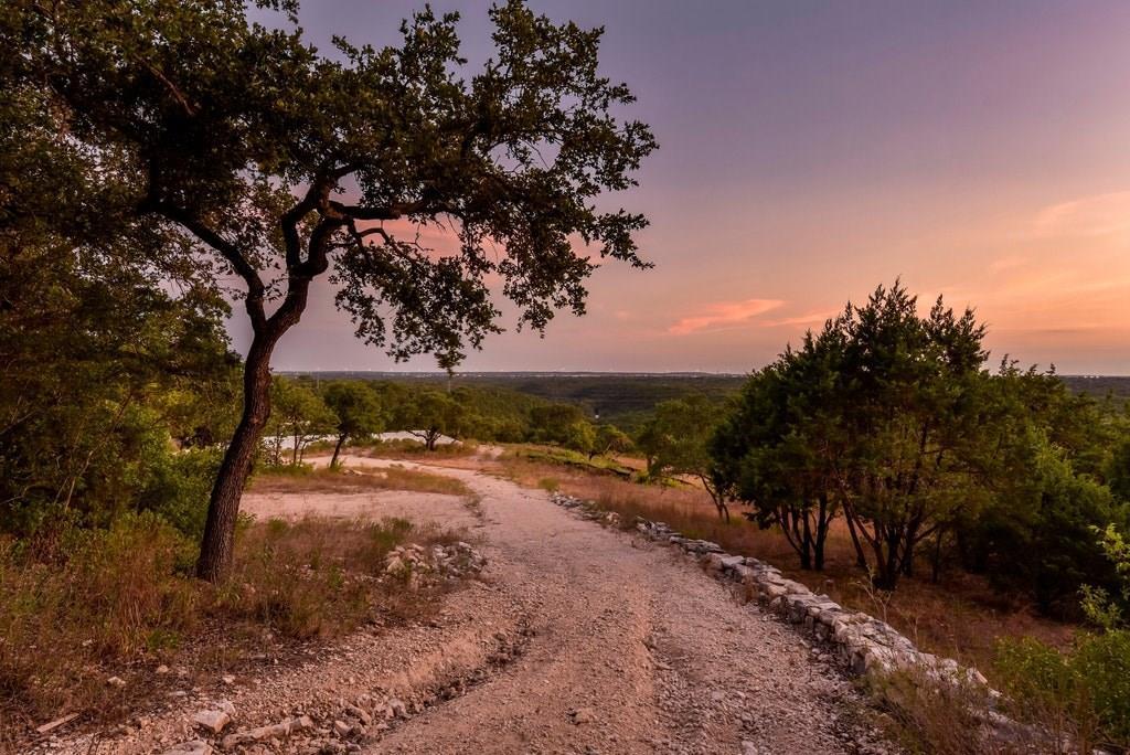 Active | 2021 SURREY HILL Drive Austin, TX 78746 10