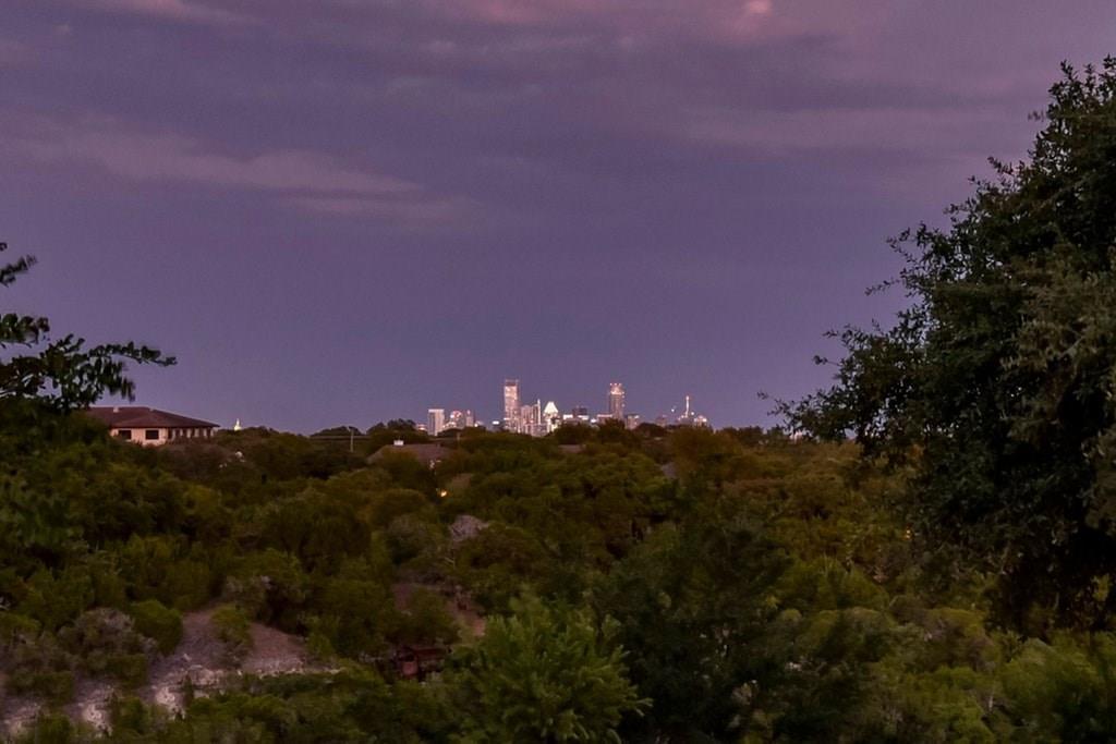 Active | 2021 SURREY HILL Drive Austin, TX 78746 13