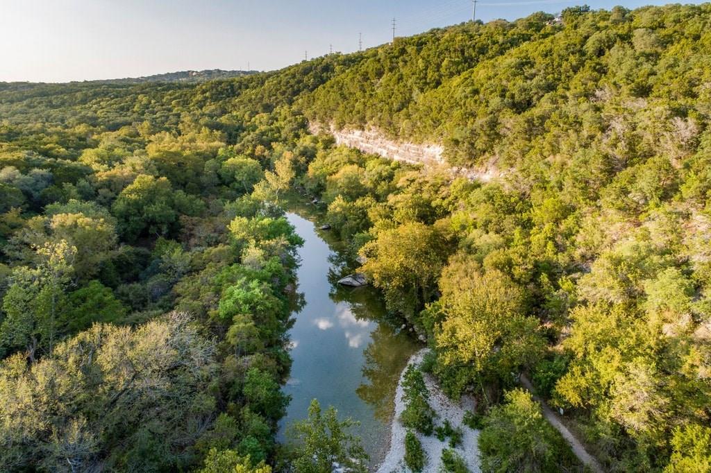 Active | 2021 SURREY HILL Drive Austin, TX 78746 14