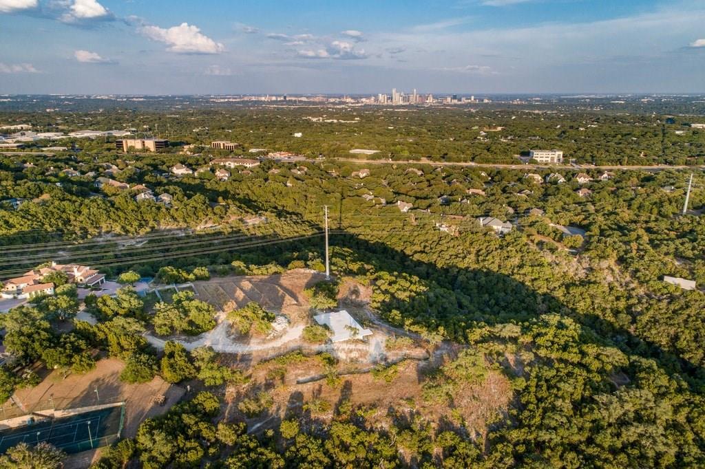 Active | 2021 SURREY HILL Drive Austin, TX 78746 15