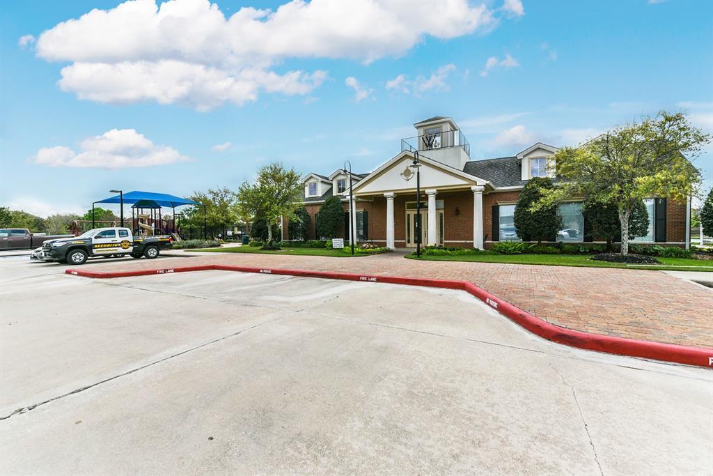 Pending Continue to Show | 10923 Reston Point Drive Richmond, TX 77406 44