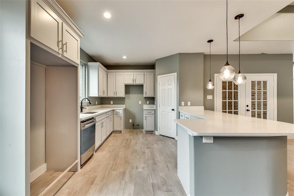 Sold Property   2425 Fordham Road Dallas, TX 75216 4
