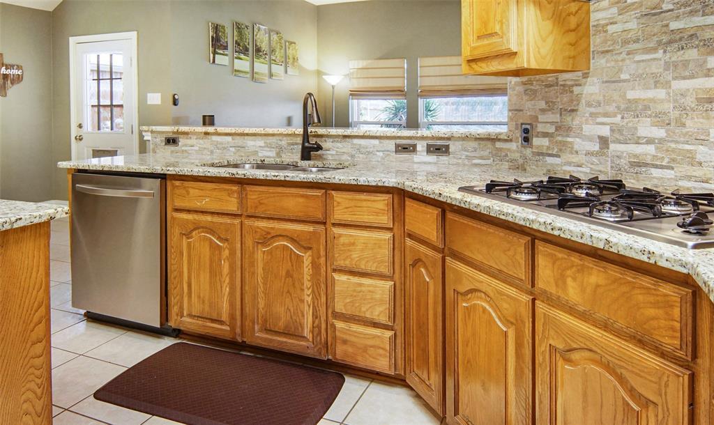 Sold Property | 1000 Peebles Court Arlington, TX 76013 8