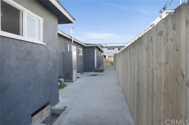 Closed | 4091 W Rosecrans  Avenue Hawthorne, CA 90250 2
