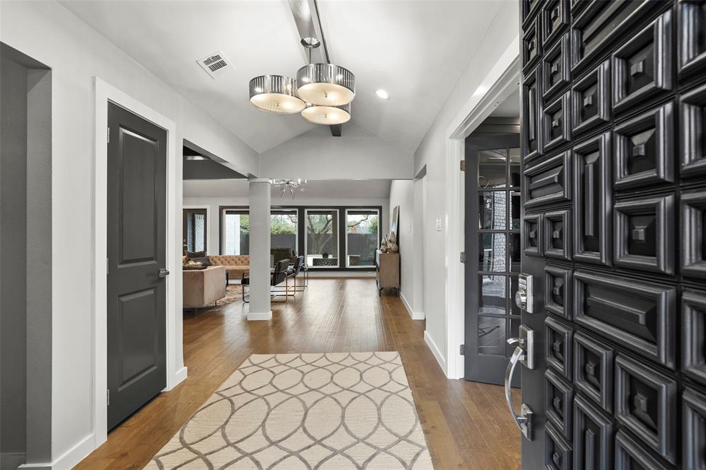 Dallas Luxury Real Estate | 7719 Maplecrest Drive Dallas, Texas 75254 6