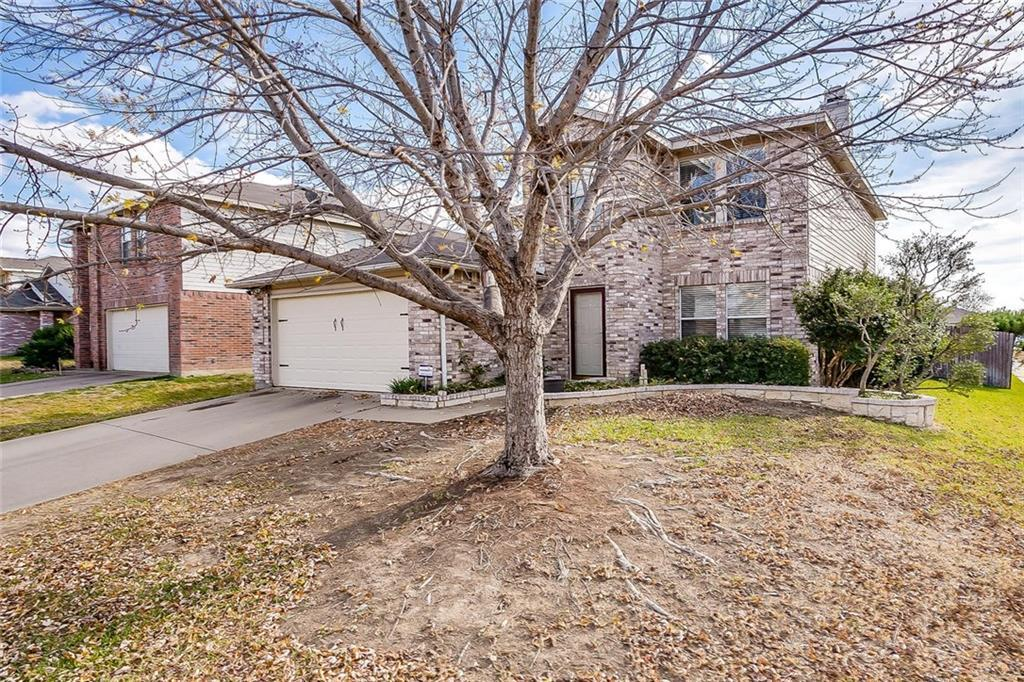 Sold Property | 557 Hertford Street Fort Worth, Texas 76036 3
