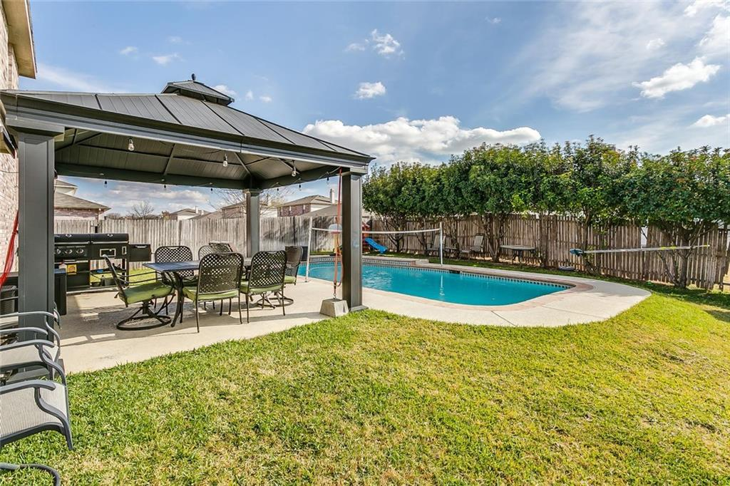 Sold Property | 557 Hertford Street Fort Worth, Texas 76036 4