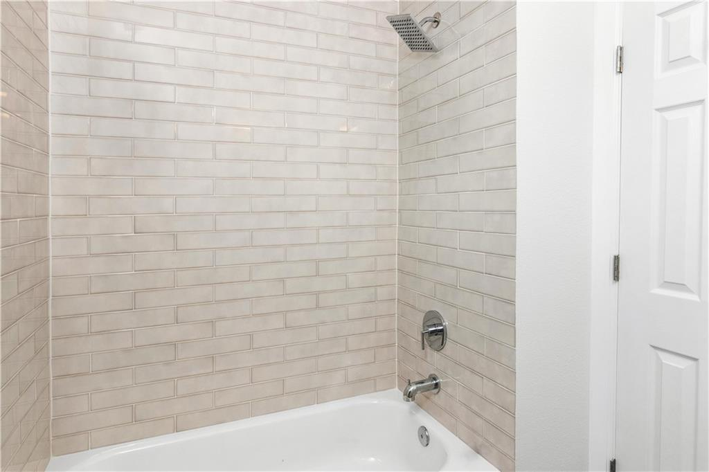 Sold Property   4001 Red River Street #2 Austin, TX 78751 17