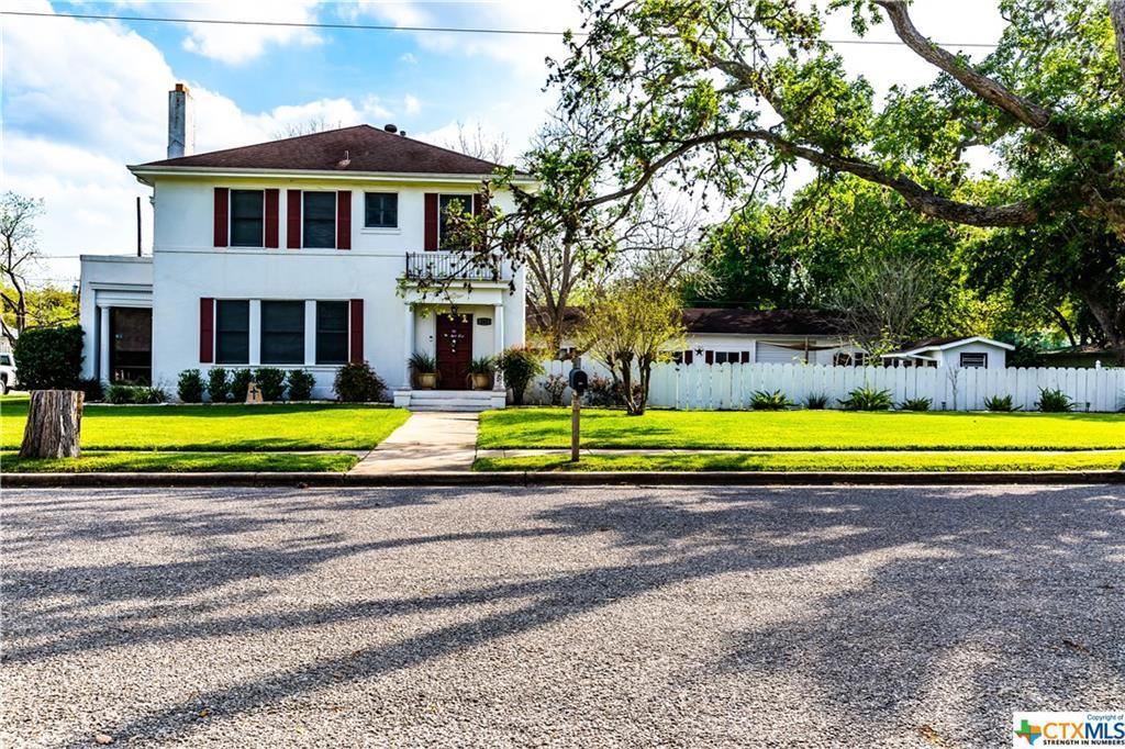 Sold Property | 205 E Prairie Street Cuero, TX 77954 1