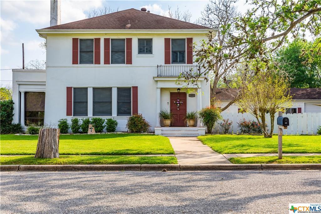 Sold Property | 205 E Prairie Street Cuero, TX 77954 2
