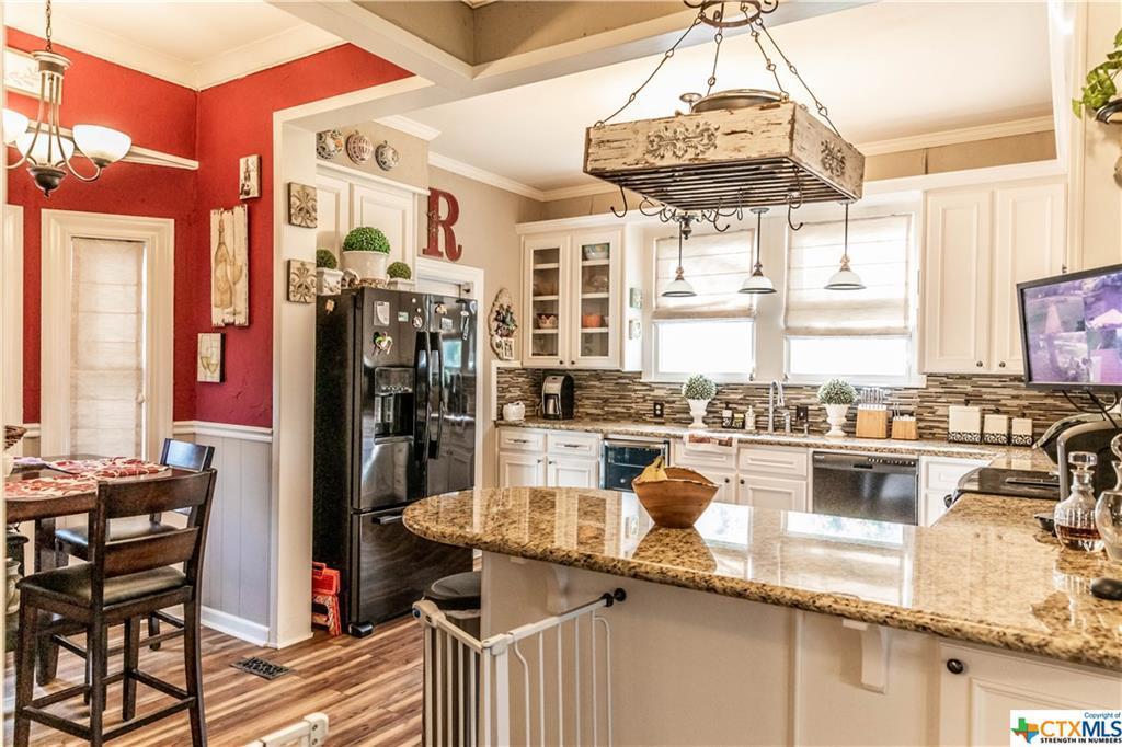Sold Property | 205 E Prairie Street Cuero, TX 77954 11