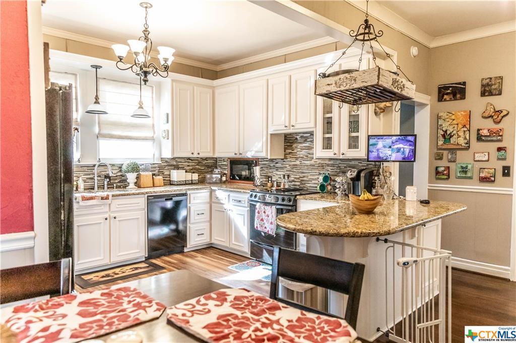 Sold Property | 205 E Prairie Street Cuero, TX 77954 12