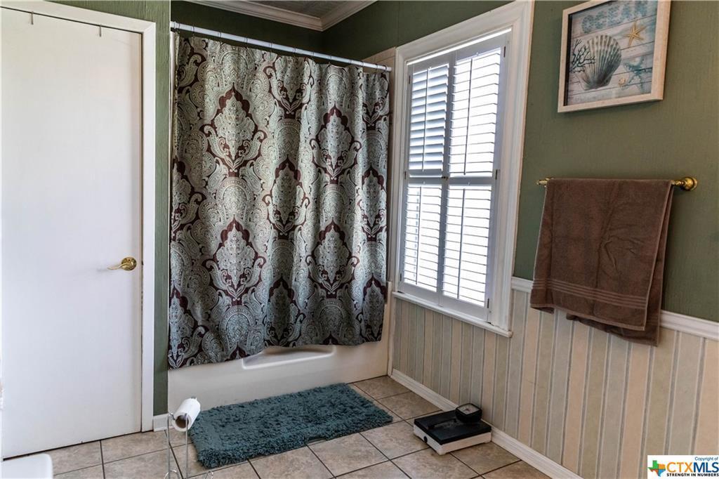 Sold Property | 205 E Prairie Street Cuero, TX 77954 17