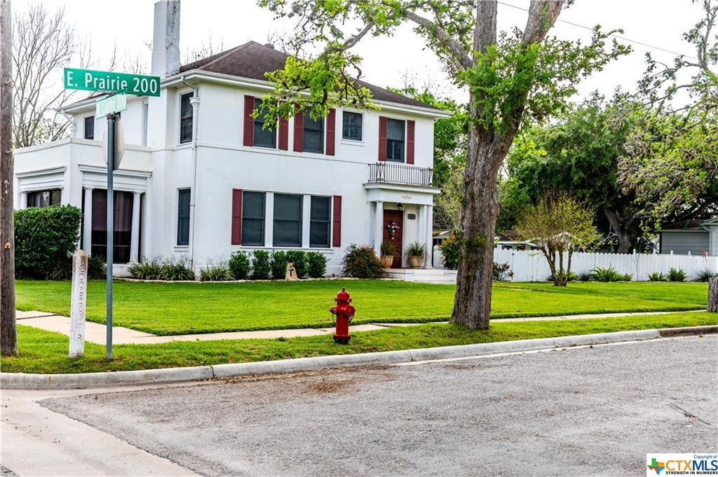 Sold Property | 205 E Prairie Street Cuero, TX 77954 3