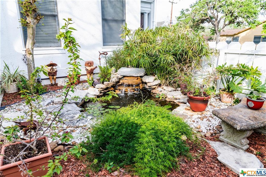 Sold Property | 205 E Prairie Street Cuero, TX 77954 27