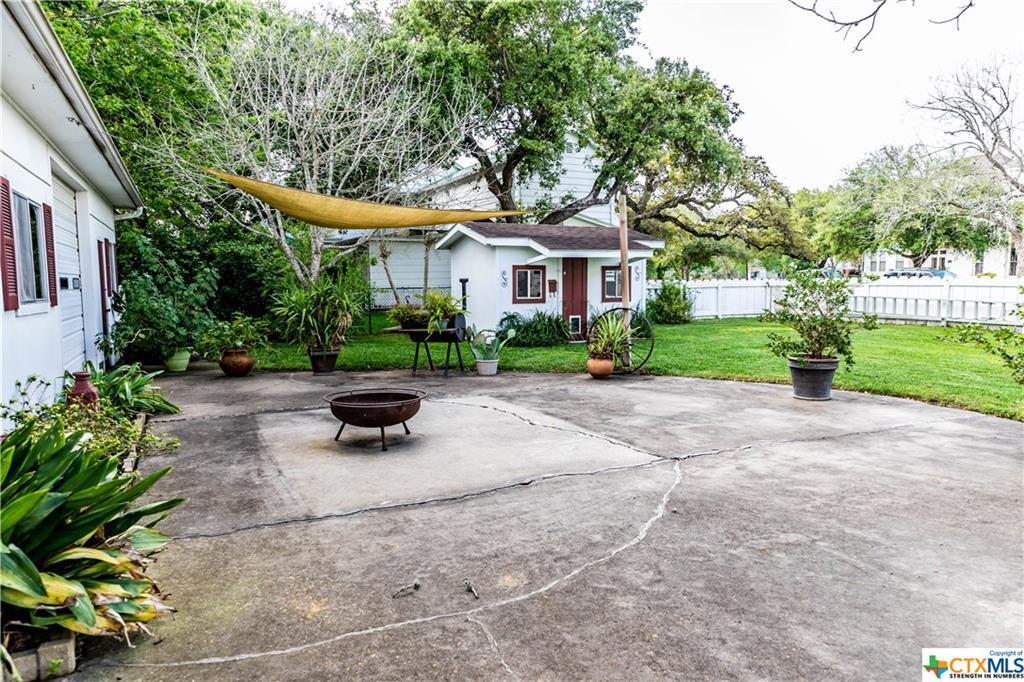 Sold Property | 205 E Prairie Street Cuero, TX 77954 30
