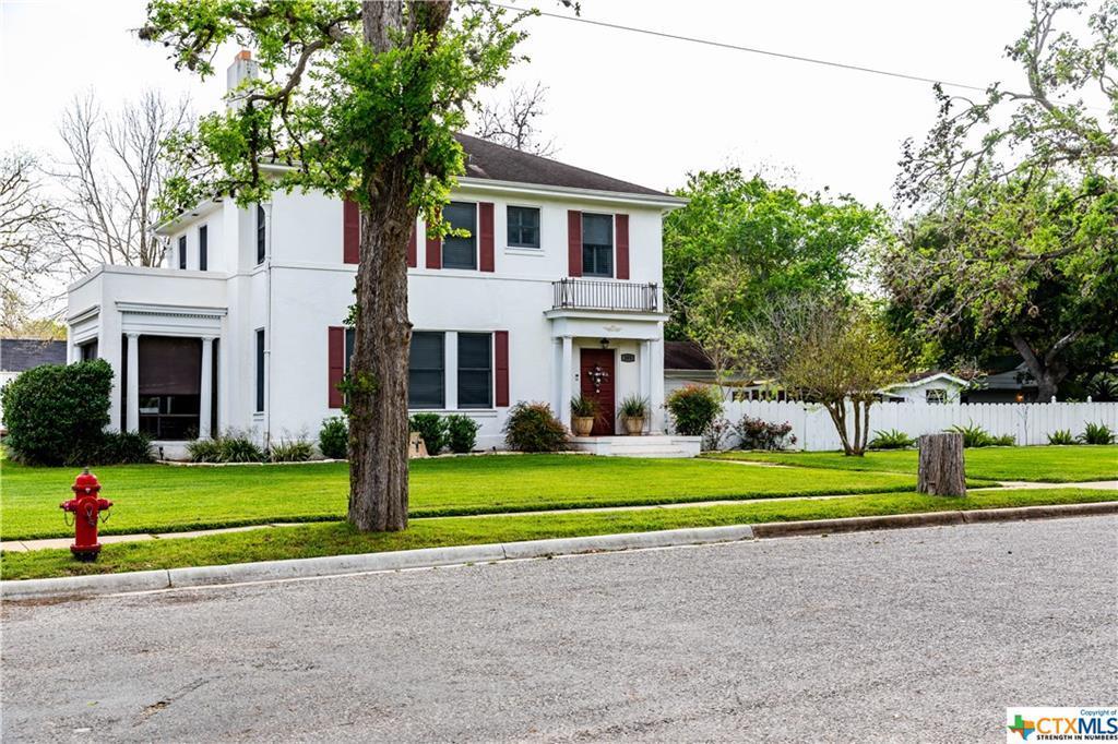 Sold Property | 205 E Prairie Street Cuero, TX 77954 4