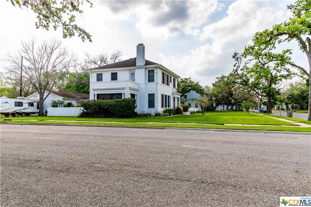 Sold Property | 205 E Prairie Street Cuero, TX 77954 5
