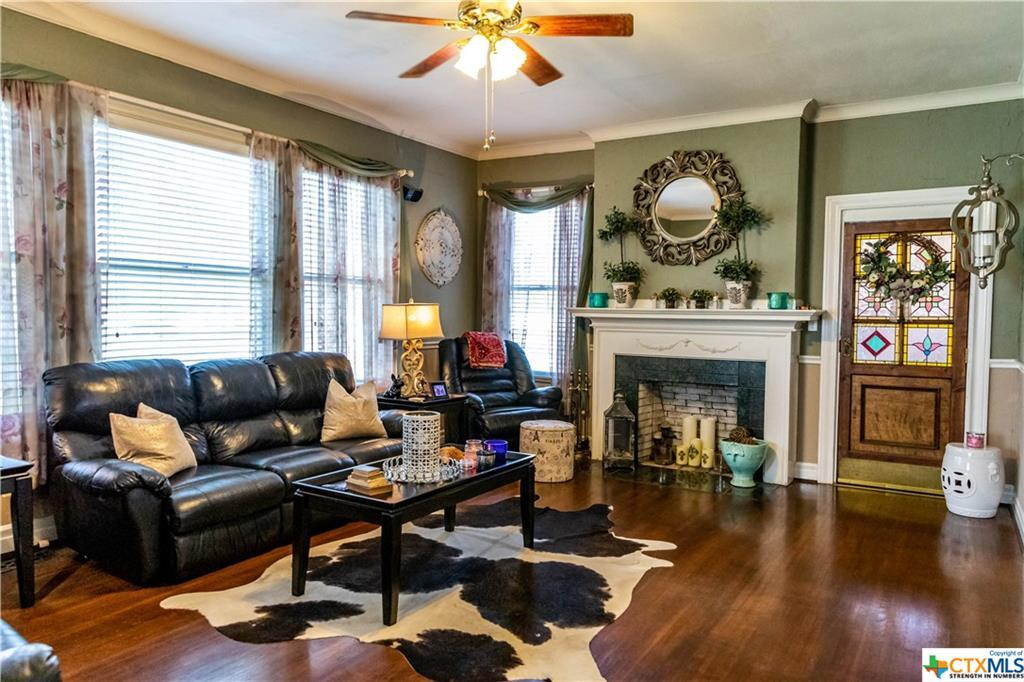Sold Property | 205 E Prairie Street Cuero, TX 77954 8