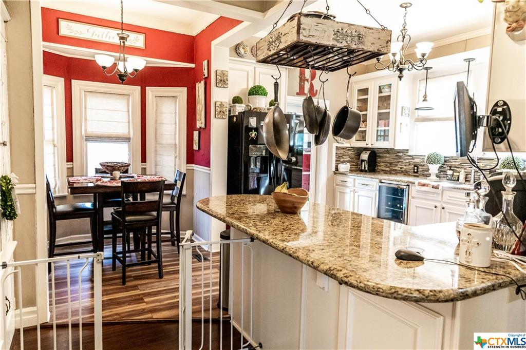 Sold Property | 205 E Prairie Street Cuero, TX 77954 10