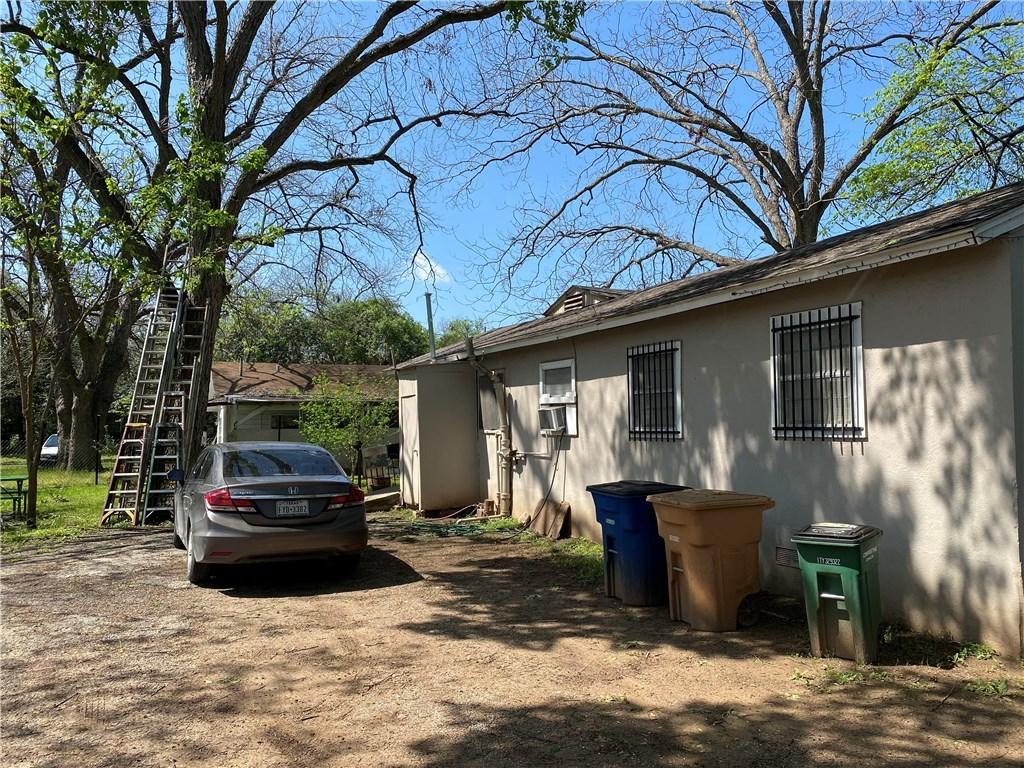 Active | 1115 Walton Lane Austin, TX 78721 6