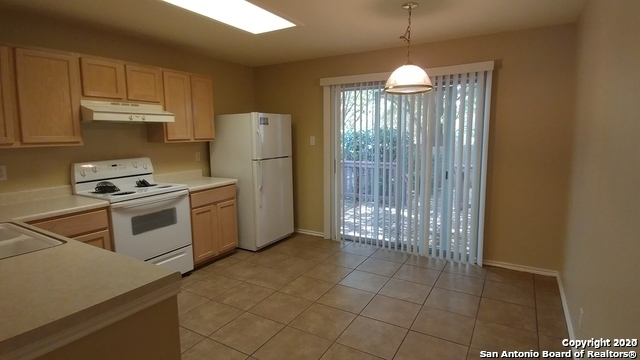 Property for Rent | 7703 Wexford Sq  San Antonio, TX 78240 4