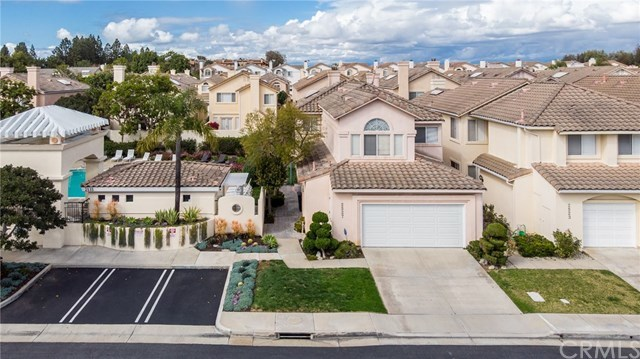 Active Under Contract | 2527 Woodbury Torrance, CA 90503 1