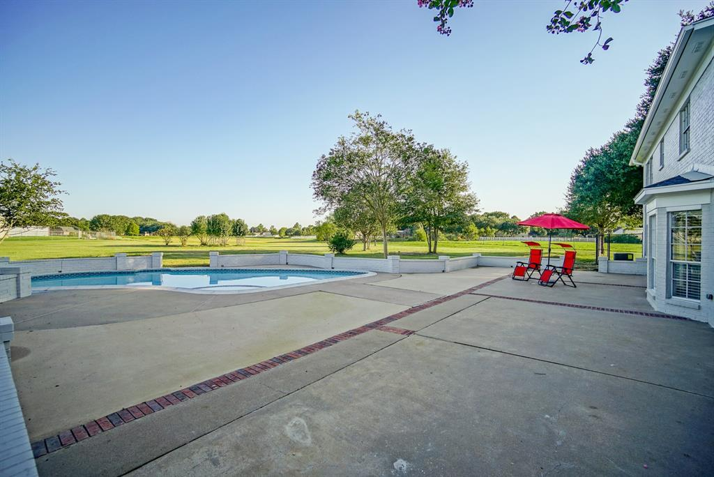 Active | 324 Standing Oaks Lane Sealy, TX 77474 38