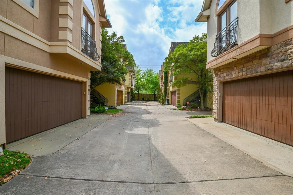 Active | 346 Gregg Street Houston, TX 77020 28