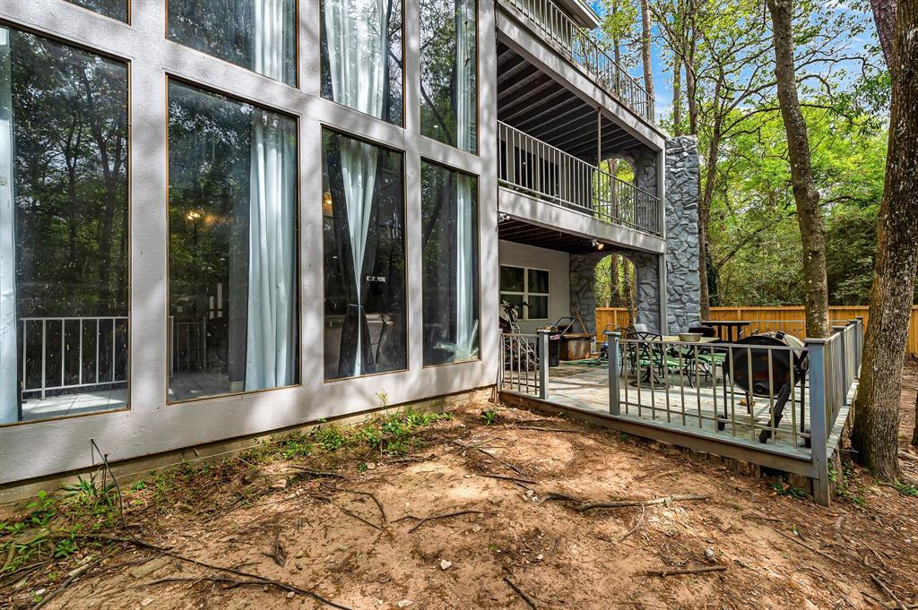 Active | 140 S Timber Top Drive Drive The Woodlands, TX 77380 33