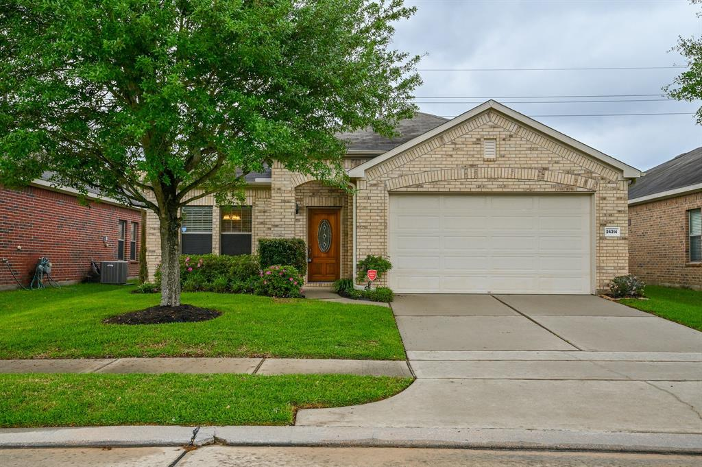 First Time Home Buyer, Katy, Texas Real Estate, Real Estate  | 24314 Courtland Oaks Street Katy, TX 77494 2