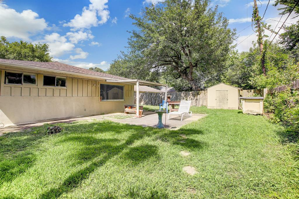 Active | 4021 Woodfox  Street Houston, TX 77025 14
