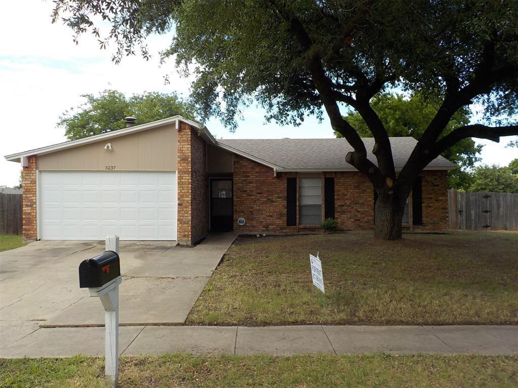 Active | 3237 Chalmette Court Forest Hill, TX 76140 0