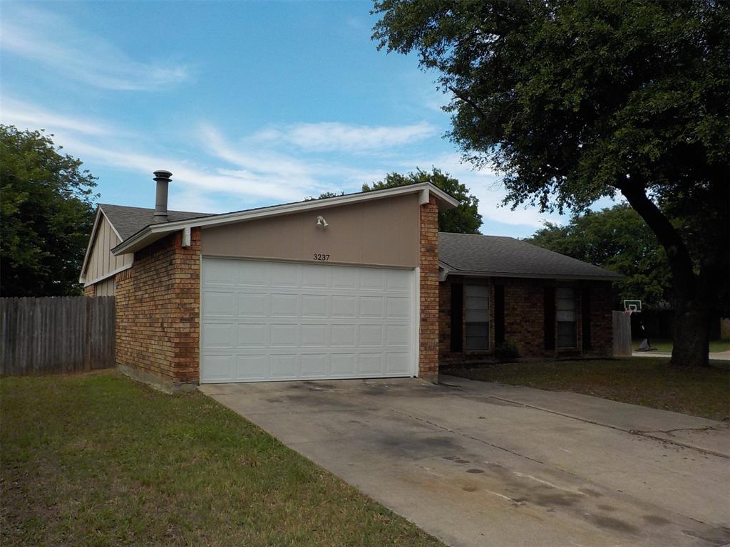 Active | 3237 Chalmette Court Forest Hill, TX 76140 1