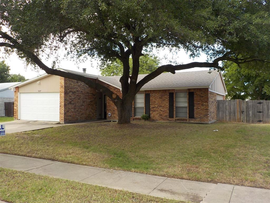 Active | 3237 Chalmette Court Forest Hill, TX 76140 2