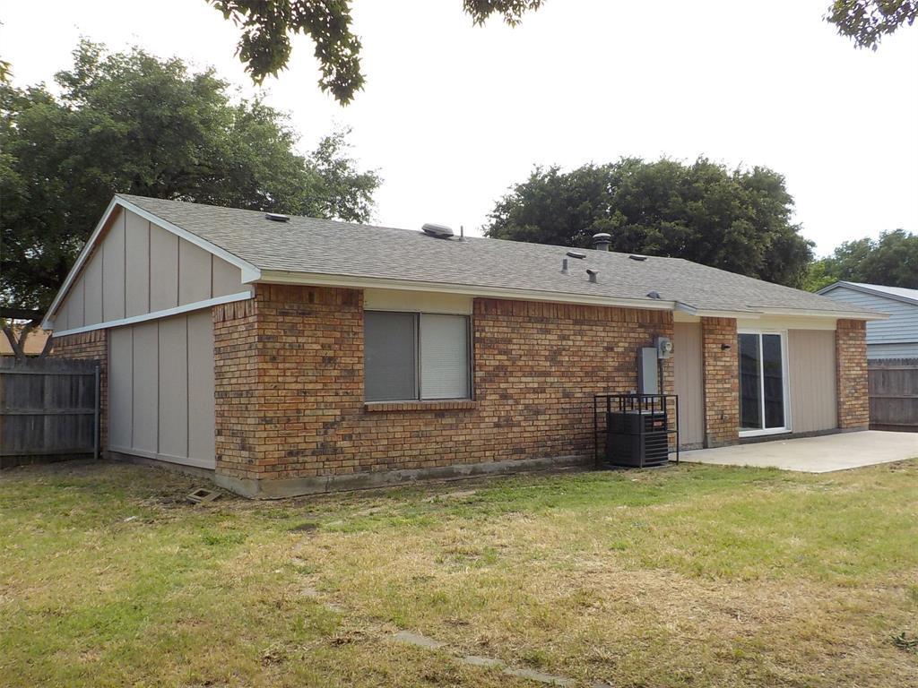 Active | 3237 Chalmette Court Forest Hill, TX 76140 3