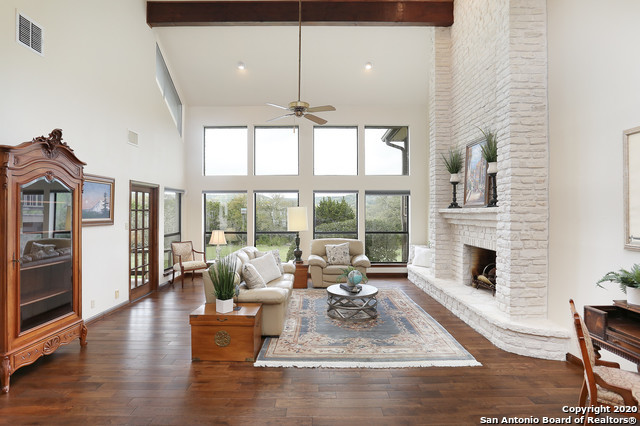 Active RFR | 400 Tapatio Dr W  Boerne, TX 78006 3