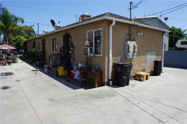 Closed | 8847 S Hoover Street Los Angeles, CA 90044 3