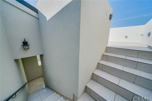 Active | 111 Vista Del Mar  #D Redondo Beach, CA 90277 33