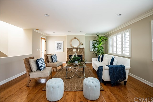 Active | 118 1st Court Hermosa Beach, CA 90254 5