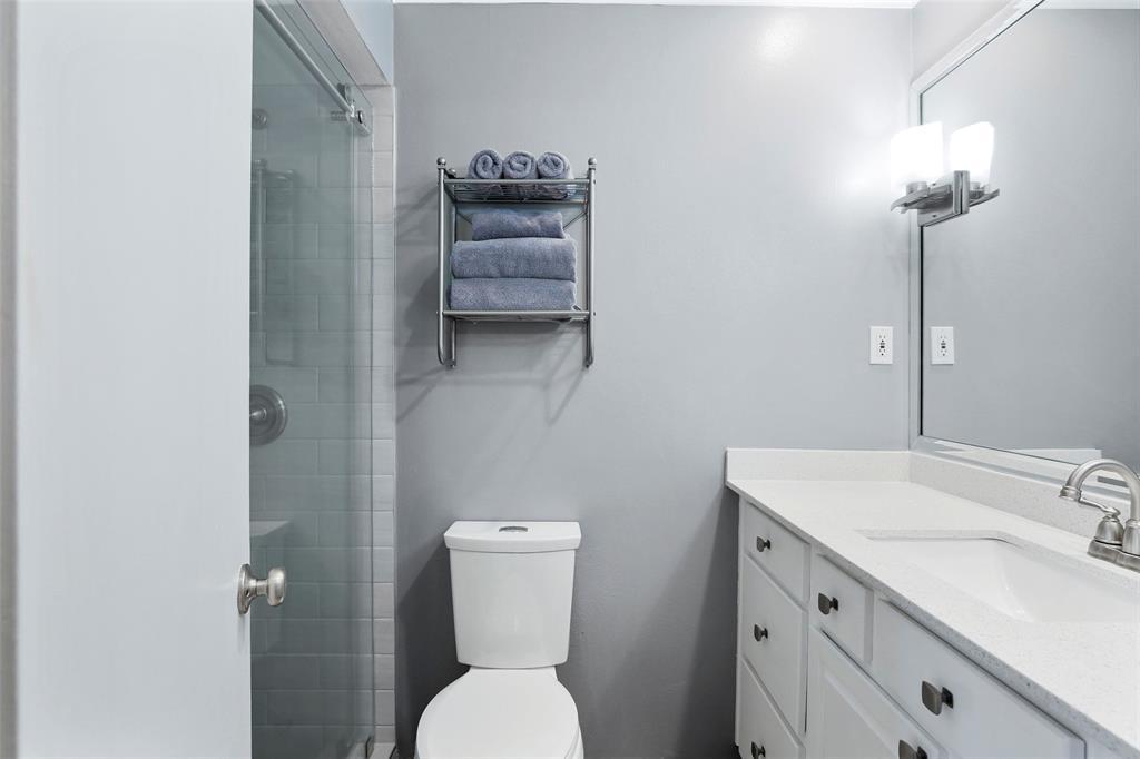 Dallas Real Estate   7726 El Santo Lane Dallas, Texas 75248 26