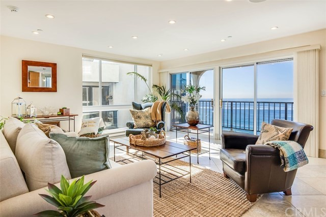 Closed | 565 Esplanade   #216 Redondo Beach, CA 90277 2
