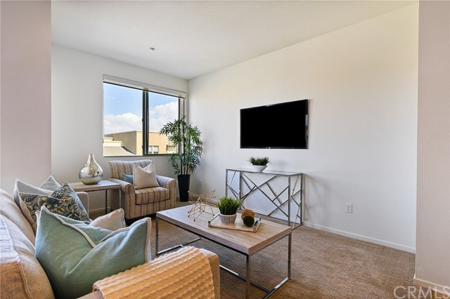 Closed | 5450 Strand   #302 Hawthorne, CA 90250 10