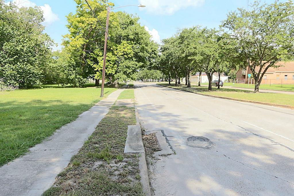 Active | 4705 S Cavalcade  Street Houston, TX 77026 12