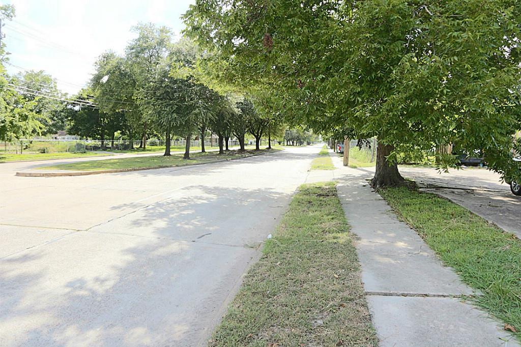 Active | 4705 S Cavalcade  Street Houston, TX 77026 13