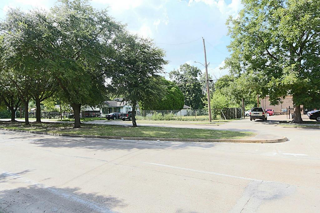 Active | 4705 S Cavalcade  Street Houston, TX 77026 17