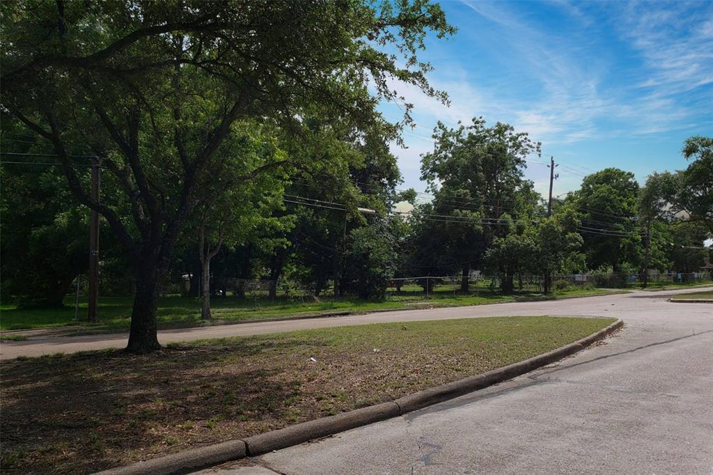 Active | 4705 S Cavalcade  Street Houston, TX 77026 23