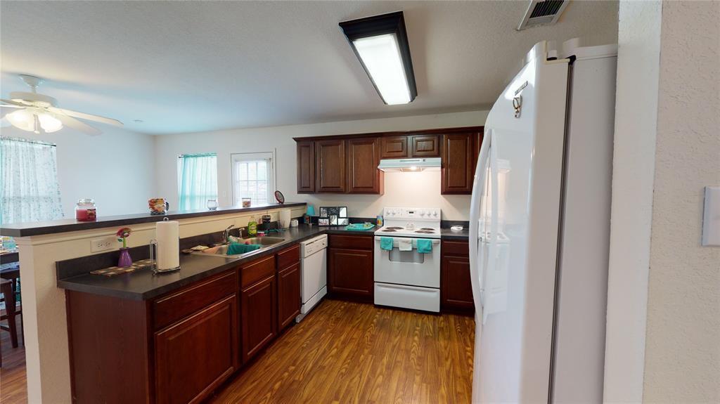 Sold Property | 423 Jordan Lane Arlington, TX 76012 7